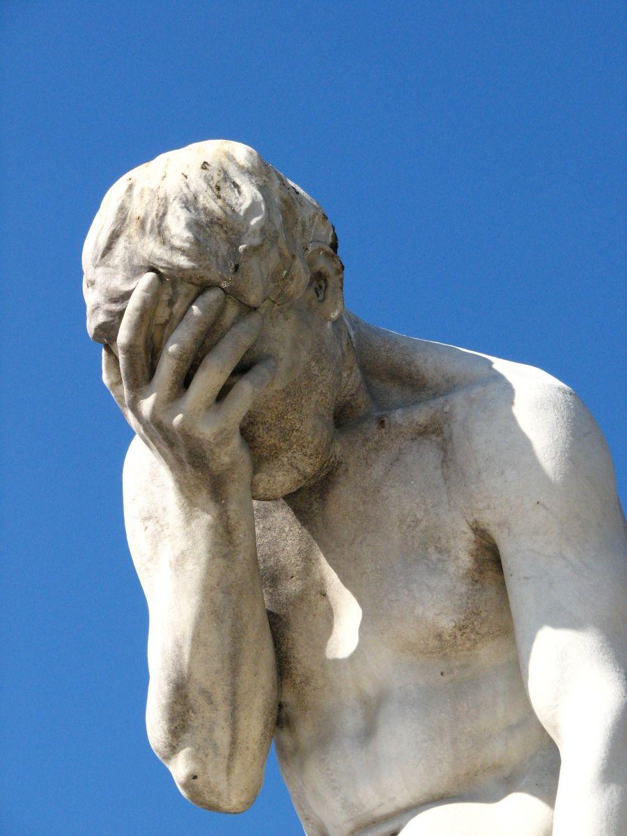 statue-despair1